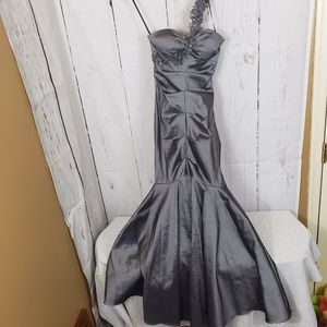 XSCAPE 6 charcoal gray mermaid evening gown
